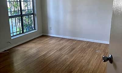Living Room, 14808 Blythe St, 2