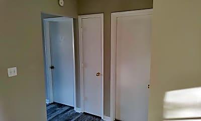 Bedroom, 104 Bluebird Ct, 2