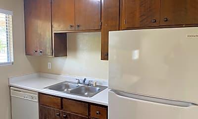 Kitchen, 425 Nelson Ave, 1
