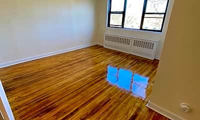 Living Room, 81 Beacon Hill Dr 8C, 1