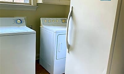 Bathroom, 143 Sonnett Cir, 2