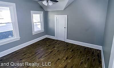 Bedroom, 2028 Franklin St, 2