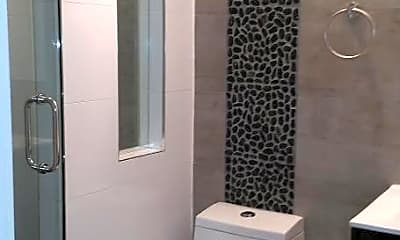 Bathroom, 578 Lafayette Ave, 2