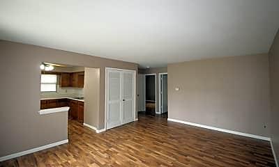 Living Room, 105 Floss Mar Ct, 1