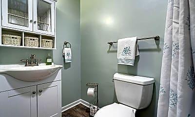 Bathroom, 6209 Wrightsville Ave, 1