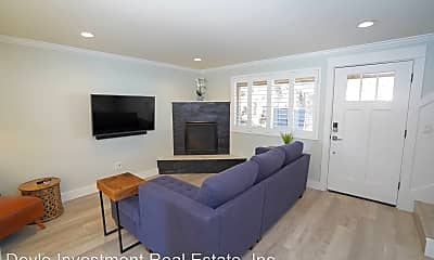 Living Room, 1205 NW Portland Ave, 2