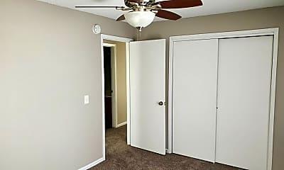 Bedroom, 1002 SE Belmont Dr, 1
