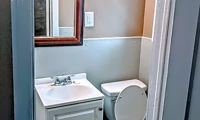 Bathroom, 1611 SE Broadway Ave, 0