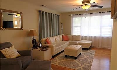 Living Room, 505 Mayfair Ct, 1
