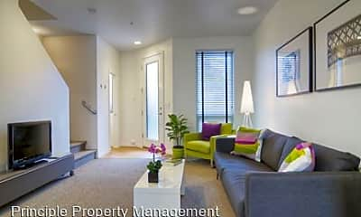 Living Room, 785 River Rd, 2