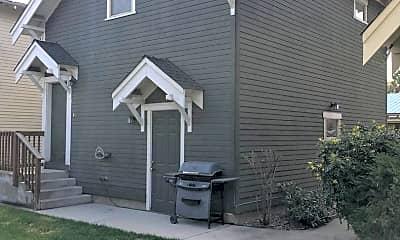 Building, 429 NE Irving Ave, 0
