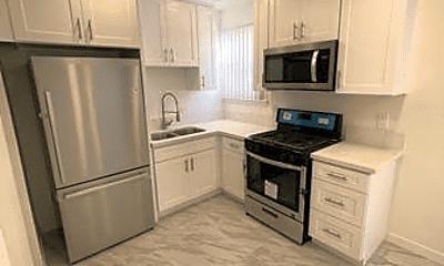 Kitchen, 450 N Gardner St, 1