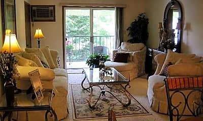 Living Room, Lakewood Apartments, 1