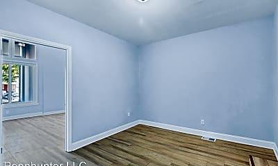 Bedroom, 3950 Lancaster Ave, 1