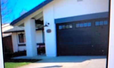 Building, 1170 Patricia Ln, 0