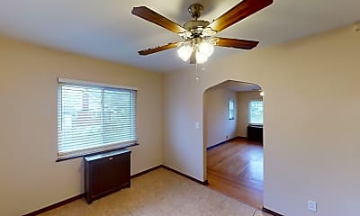 Bedroom, 3231 Glenmore Ave, 2