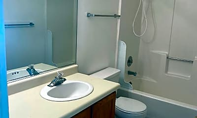 Bathroom, 850 E 600 S, 2
