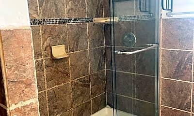 Bathroom, 79 Bay Terrace, 2