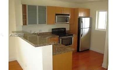 Kitchen, 840 Pine Dr 104, 1