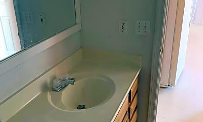 Bathroom, 4015 N Montezuma Dr B, 2