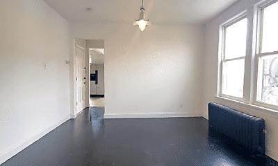 Living Room, 692 Bergen Ave, 2