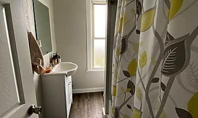 Bathroom, 709 Eureka St, 2