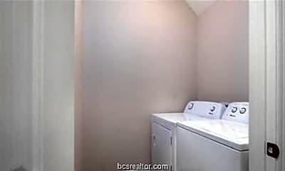 Bathroom, 302 Cooner St B, 2