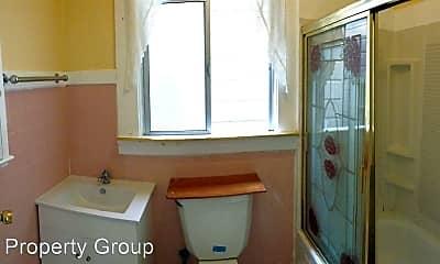 Bathroom, 562 Guerrero St, 2