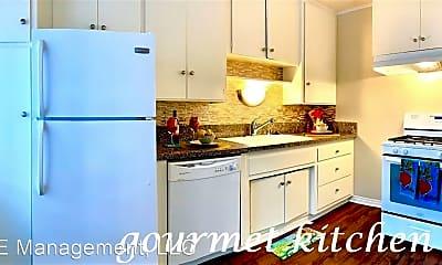 Kitchen, 2001 CA-1, 1