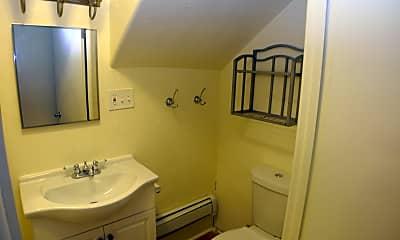 Bathroom, 1523 E Monument St, 2