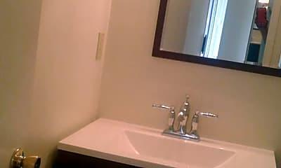Bathroom, 347 Roosevelt St, 2