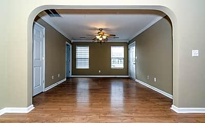 Living Room, 106 Silver Creek Ct, 1