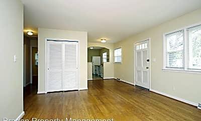 Living Room, 113 Stratford Ct, 1