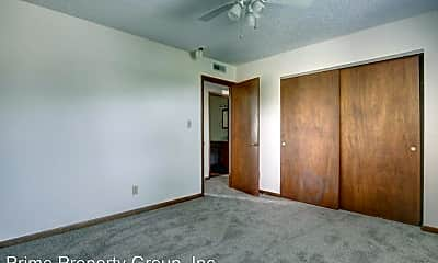 Bedroom, 2005 S Mattis Ave, 2