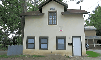 Building, 2263 Indianola Ave, 0