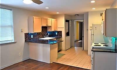 Kitchen, 931 Kerlerec St D, 1