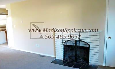 Living Room, 8713 N Alcan Dr, 1