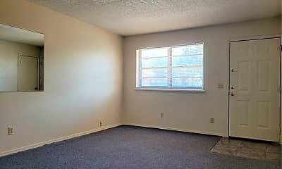 Living Room, 3037 N Rockwell Ave, 1