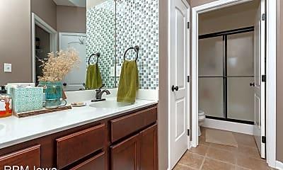 Bathroom, 1606 SW Prairie Trail Pkwy, 2