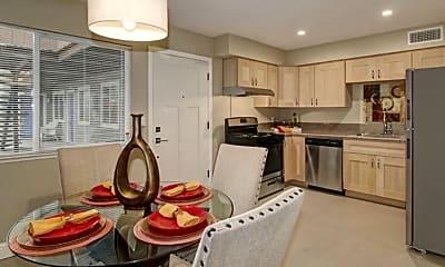 Kitchen, 324 E Magnolia St, 2