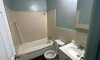 Bathroom, 3752 Chippewa St, 2