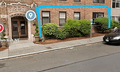 Building, 4105 Brooklyn Ave NE, 2