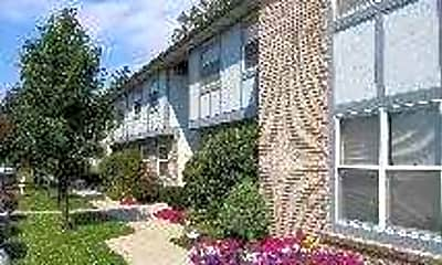 Pine Meadows Apartments, 1