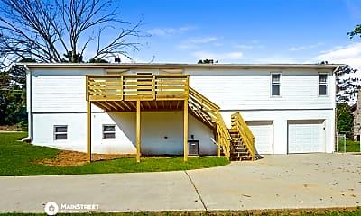 Building, 2741 Wood Dr NE, 2