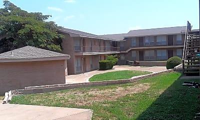 Glen Oaks Apartments, 2
