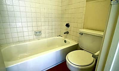Bathroom, Yardarm Apartment Homes, 2