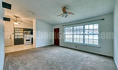 Living Room, 1808 N Mississippi St, 1