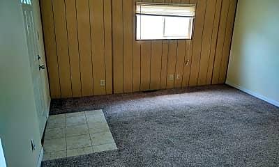 Living Room, 1051 Moxahala Ave, 1