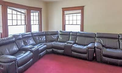 Living Room, 518 Monroe St, 1