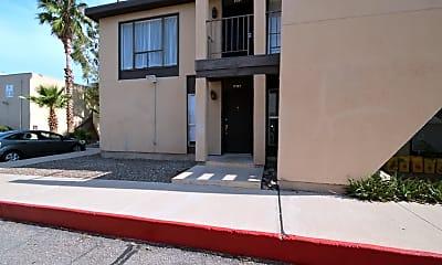 Building, 1620 N Wilmot Rd P187, 2